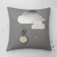Kissen_Sleepy_Cloudy_Grau_Titel